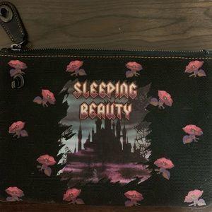 🌹Coach Disney Sleeping Beauty Turn-lock Pouch🌹